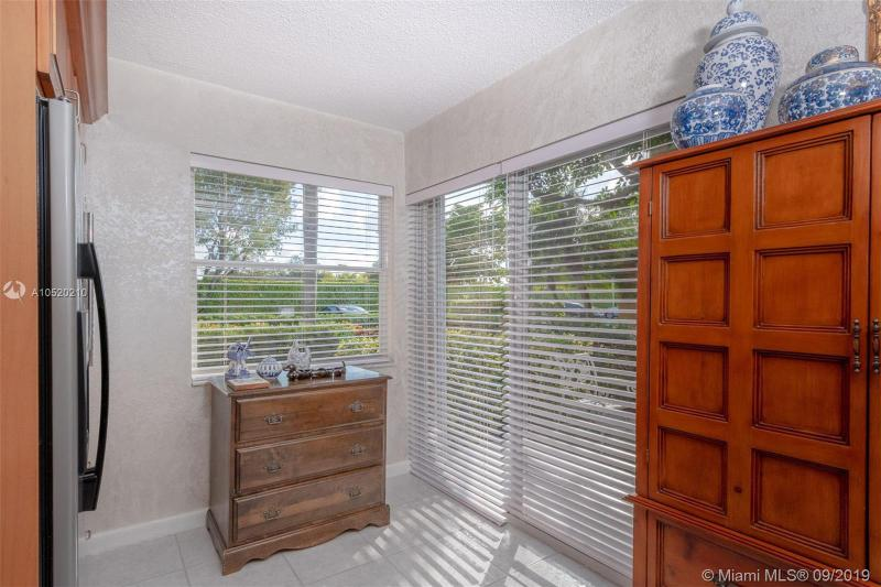 3251 NW 44th St 1, Oakland Park, FL, 33309
