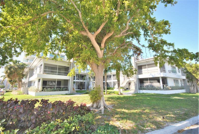10074 E Bay Harbor Dr  Unit 74, Bay Harbor Islands, FL 33154-1529