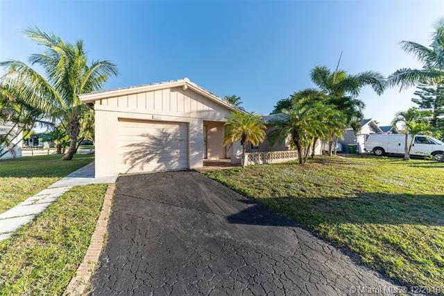 5713 NW 68th Ave , Tamarac, FL 33321-5742