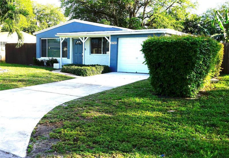 6831  Coolidge St , Hollywood, FL 33024-3809