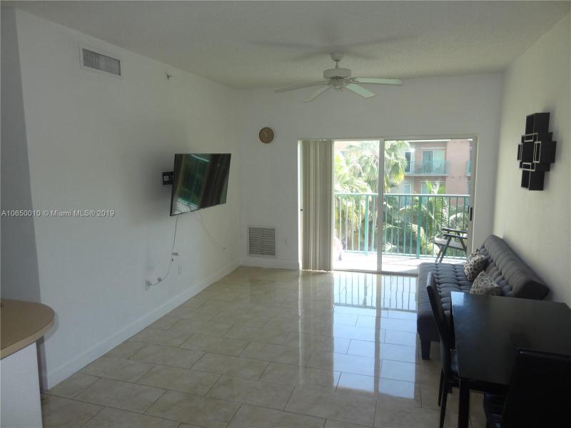 6001 SW 70th St  Unit 338, South Miami, FL 33143-3405