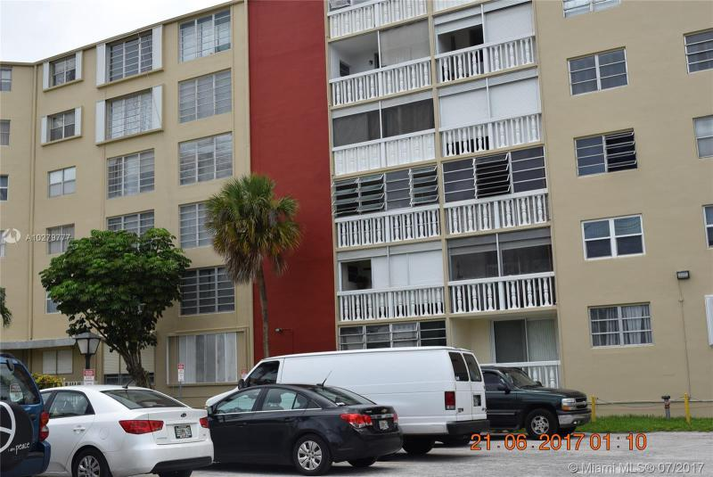 12105 6th Ave  Unit 303, North Miami, FL 33161