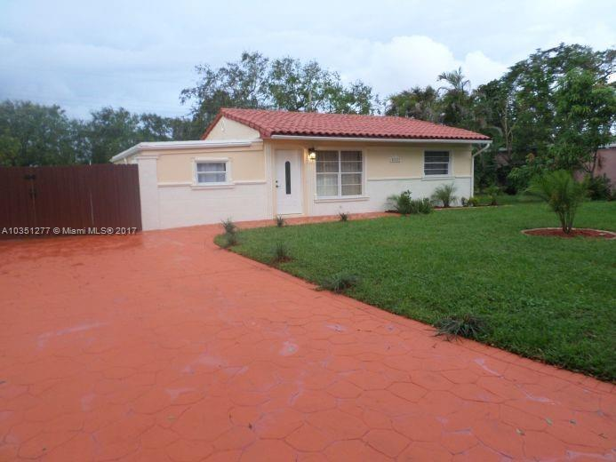 1020 N 71st Ave , Hollywood, FL 33024-5540