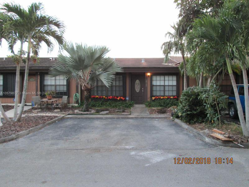 220 SW 116th Ave  Unit 15108, Pembroke Pines, FL 33025-4901