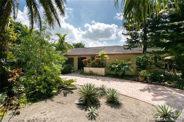 12830 N Calusa Club Dr,  Miami, FL