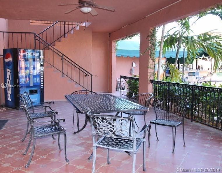 670 Tennis Club Dr 105, Fort Lauderdale, FL, 33311