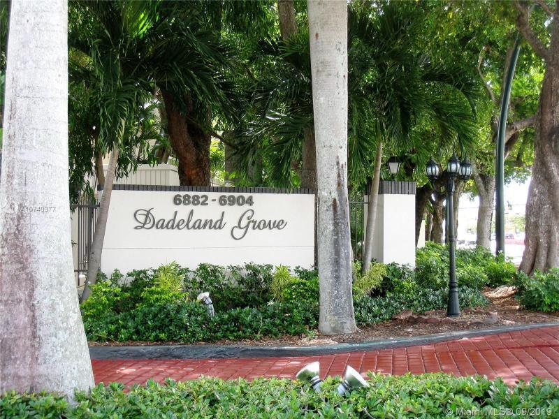 6902 N Kendall Dr E401, Pinecrest, FL, 33156