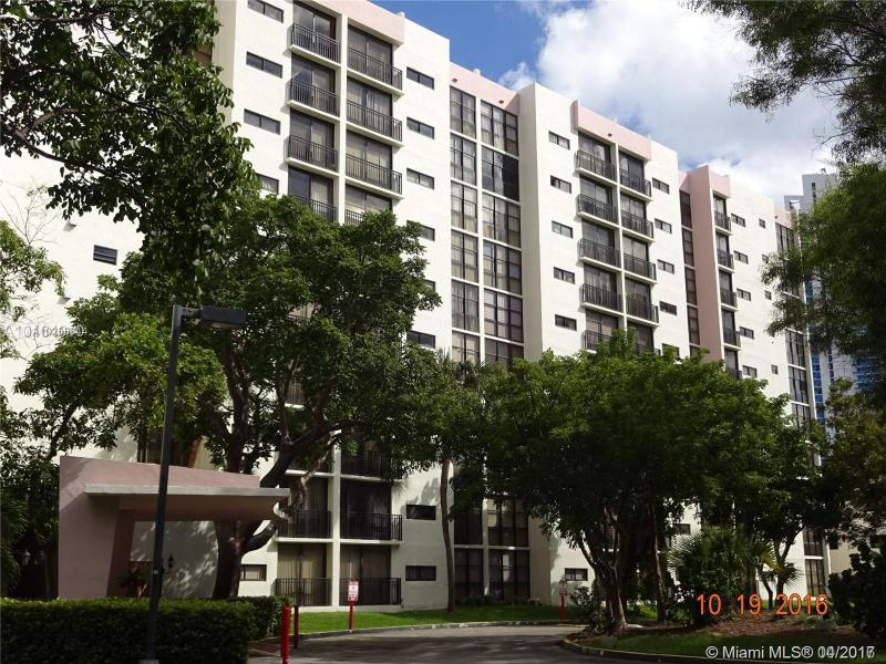 Real Estate For Rent 17021 N Bay Rd #1008 Sunny Isles Beach  FL 33160 - Plaza Of Americas Condo P