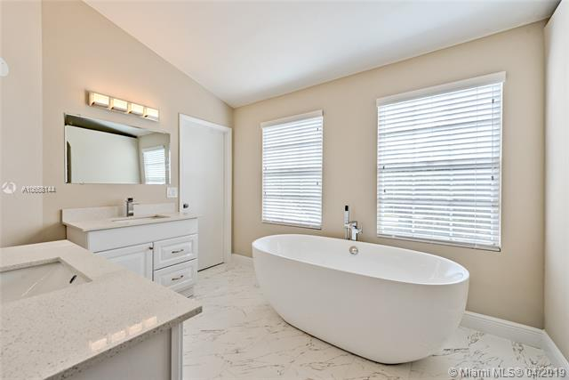 2155 NW 86th Way , Coral Springs, FL 33071-6180