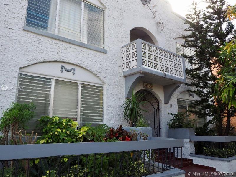 1554 SW 5th St,  Miami, FL