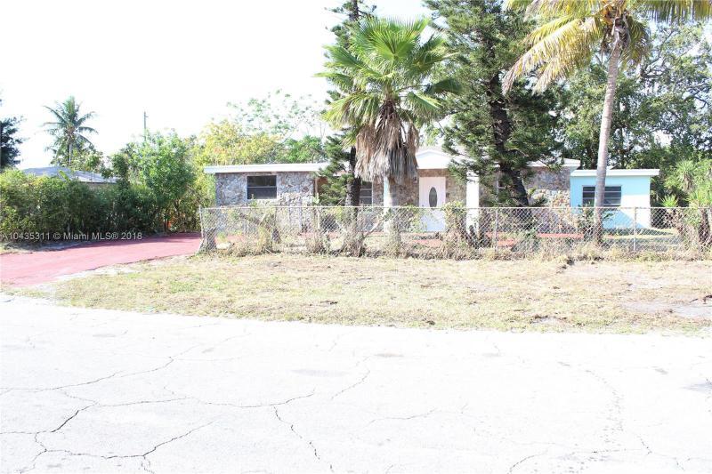 1020  Oriental Blvd , Opa-Locka, FL 33054-