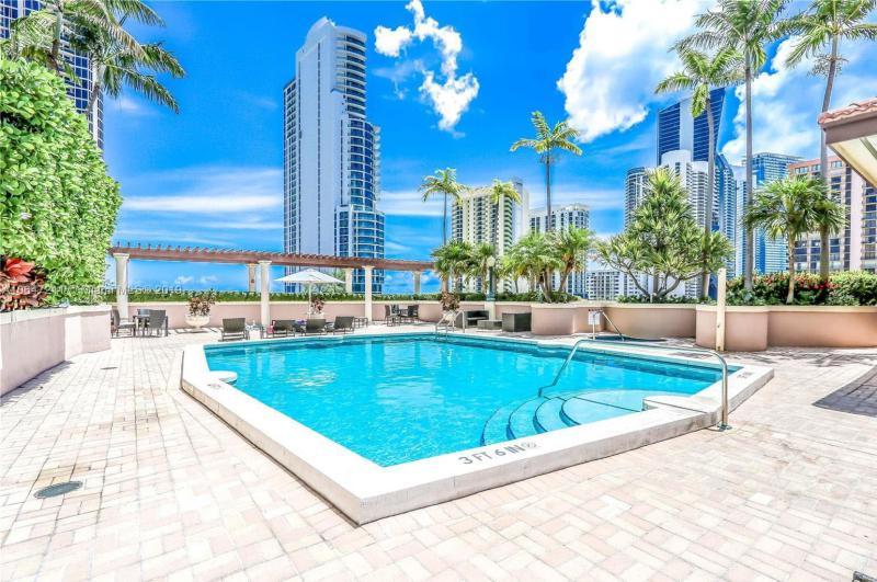 17555  Atlantic Blvd  Unit 0, Sunny Isles Beach, FL 33160-2993