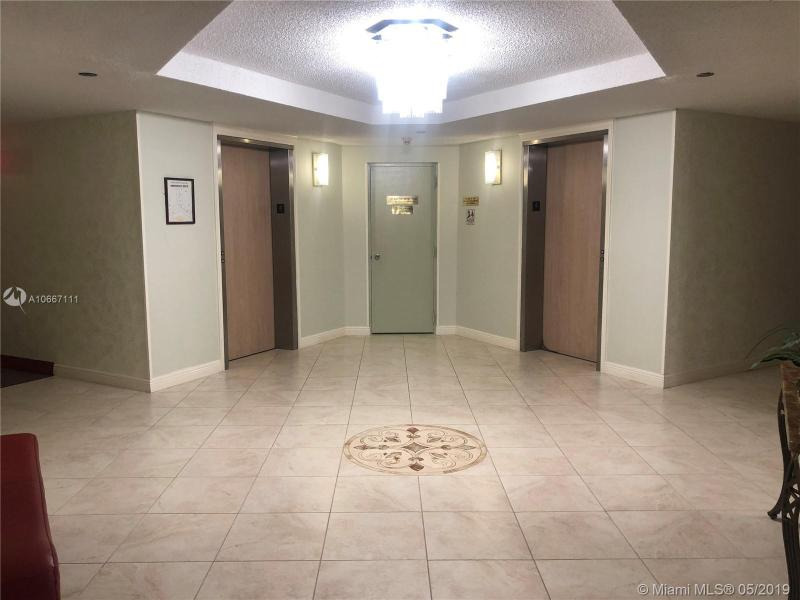 1300 Saint Charles Pl 417, Pembroke Pines, FL, 33026
