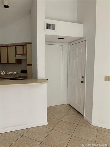 3450 N Pinewalk Dr N 433, Margate, FL, 33063