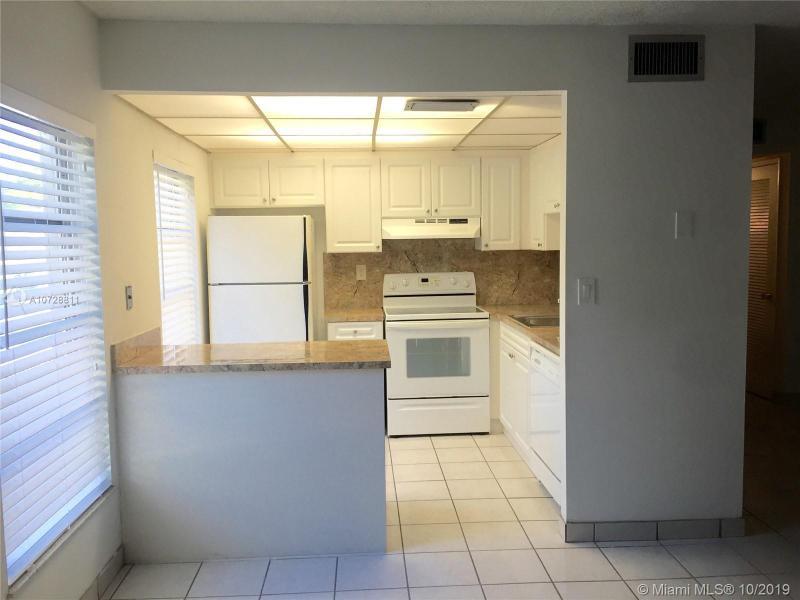 110 Salamanca Ave 202, Coral Gables, FL, 33134
