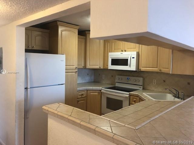 7928 West Dr 303, North Bay Village, FL, 33141