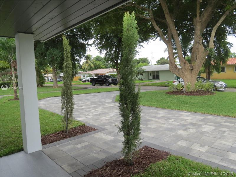 For Sale at  455 NW 88Th Ter El Portal  FL 33150 - Glendale Manor - 4 bedroom 2 bath A10165278_23