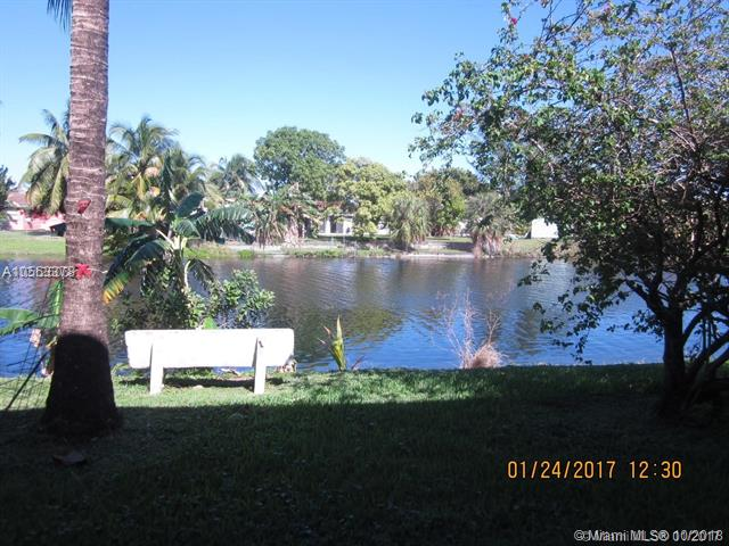 15 204th St, Miami Gardens FL 33169-2575