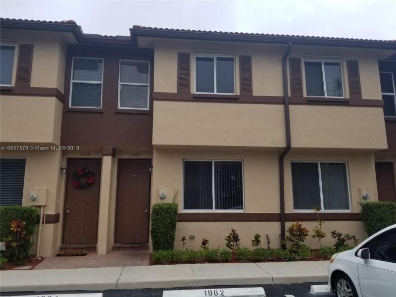 1141 W 35th St , Riviera Beach, FL 33404-2915