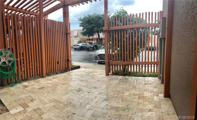 1525 NW 113th Ter 1525, Pembroke Pines, FL, 33026