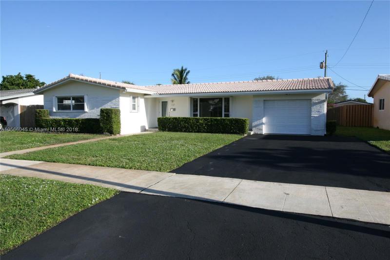 3840 Circle Dr, Hollywood FL 33021-6724