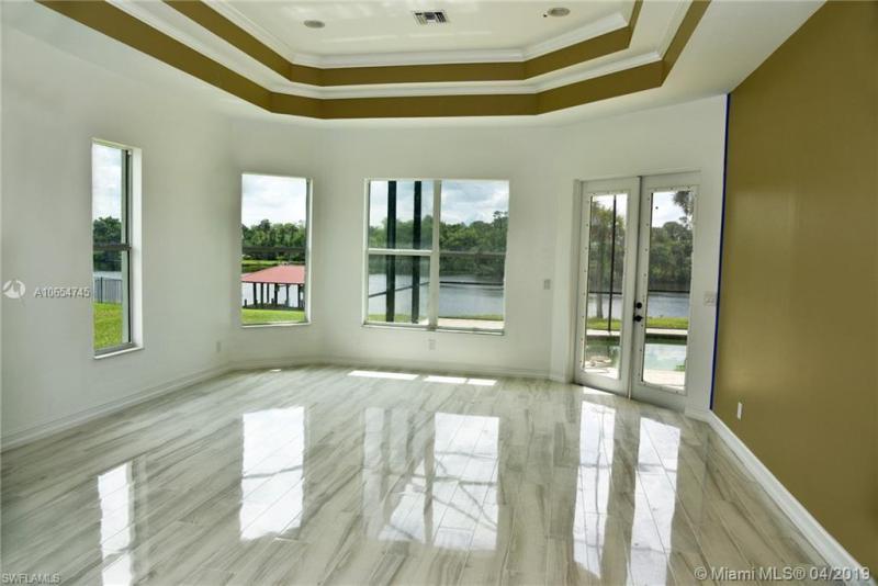 2412 River Way, LABELLE, FL, 33935
