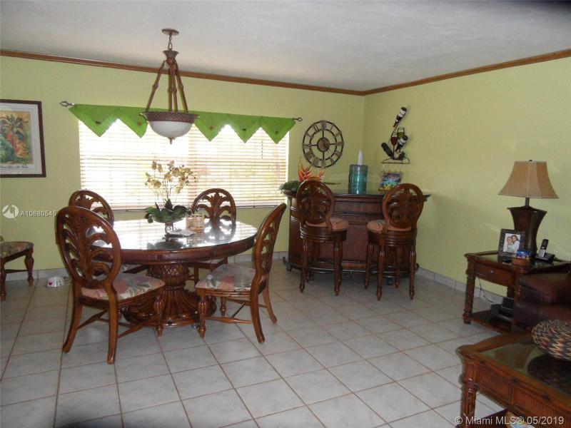 570 Falcon Ave, Miami Springs, FL, 33166