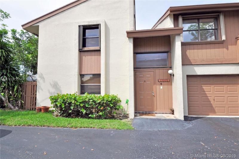 10937 SW 113th Pl,  Miami, FL