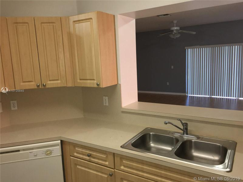 966 NW 100th Ave, Pembroke Pines, FL, 33024