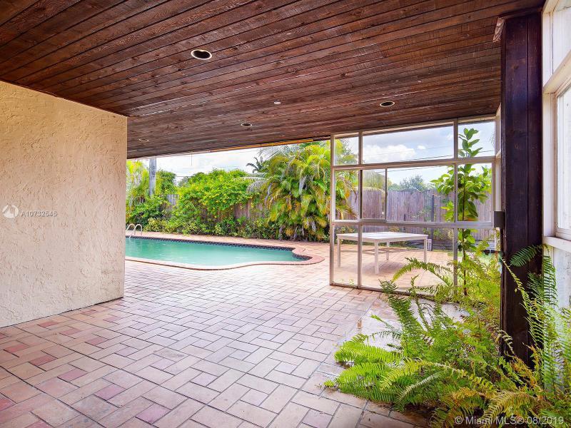 5641 SW 58th Ct 1, South Miami, FL, 33143