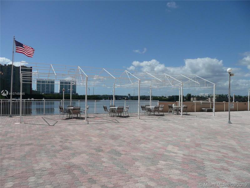 250 174th St 306, Sunny Isles Beach, FL, 33160