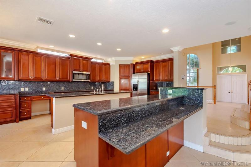 15863 SW 52nd St,  Miramar, FL