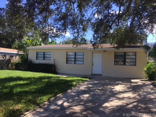 6821 Sheridan St , Hollywood, FL 33024