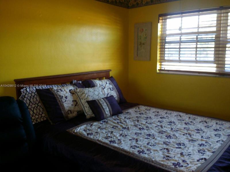 Imagen 2 de Single Family Florida>Miami Gardens>Miami-Dade   - Sale:318.000 US Dollar - codigo: A10429812