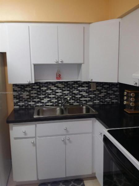 Imagen 6 de Single Family Florida>Miami Gardens>Miami-Dade   - Sale:318.000 US Dollar - codigo: A10429812