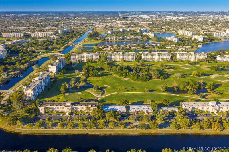 3301 S Palm Aire Dr 106, Pompano Beach, FL, 33069