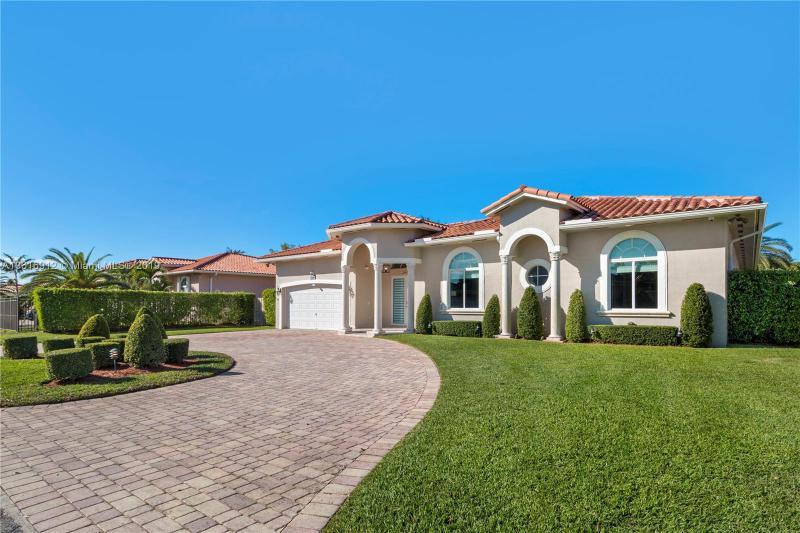 12519 SW 76th,  Miami, FL