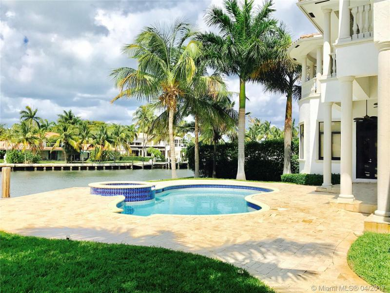 For Sale at  238 S Island Dr Golden Beach  FL 33160 - 35 51 42 & 2 52 42 Golden - 7 bedroom 7 bath A10215279_13