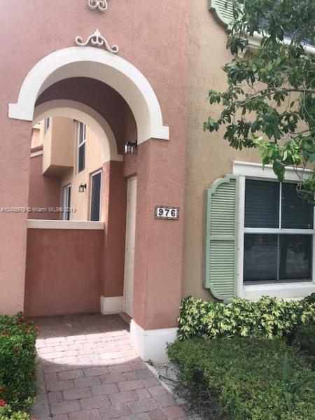 962 SW 143rd Ave  Unit 2207, Pembroke Pines, FL 33027-6155