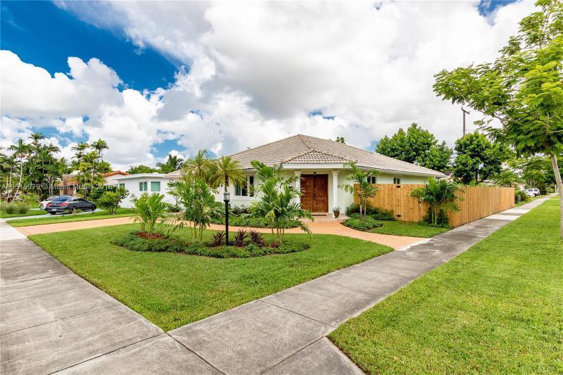270  Linwood Dr , Miami Springs, FL 33166-4935