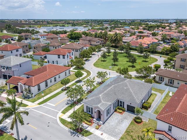 9151 SW 169th Pl,  Miami, FL