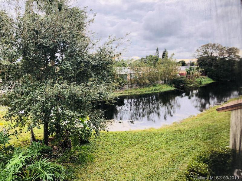 506 Gardens Dr 203, Pompano Beach, FL, 33069
