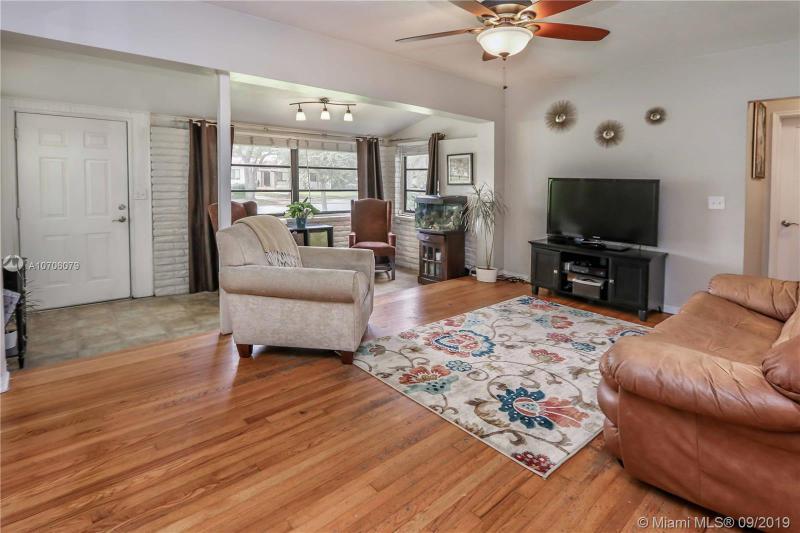 1240 Oriole Ave, Miami Springs, FL, 33166