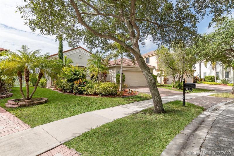 4166  Staghorn Ln,  Weston, FL