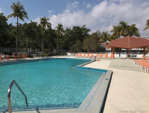 100 Bayview Dr 605, Sunny Isles Beach, FL, 33160