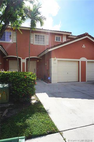 913 NW 100th Ave, Pembroke Pines, FL, 33024