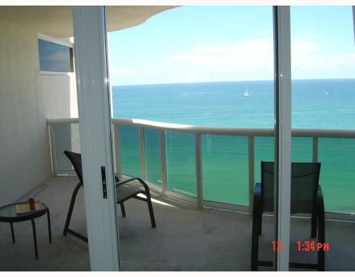 17555  Collins Ave  Unit 2007, Sunny Isles Beach, FL 33160-2888