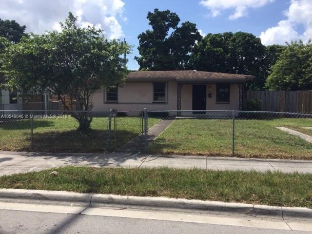 3221 NW 212th St , Miami Gardens, FL 33056-1013