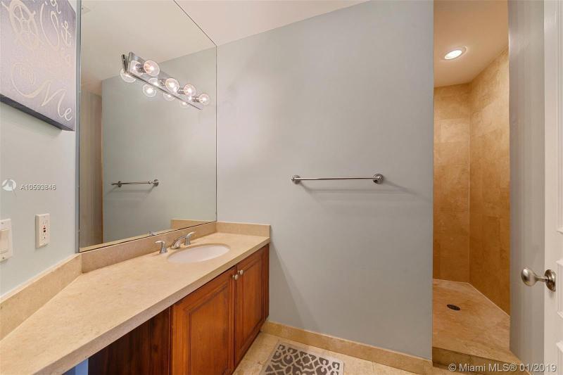 1121 Madruga Ave 203, Coral Gables, FL, 33146