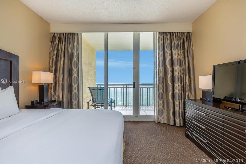 17375 Collins Ave LPH-2702, Sunny Isles Beach, FL, 33160